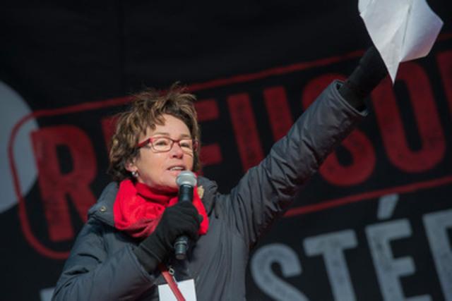 Madame Louise Chabot, Présidente de la CSQ (Groupe CNW/CSQ)