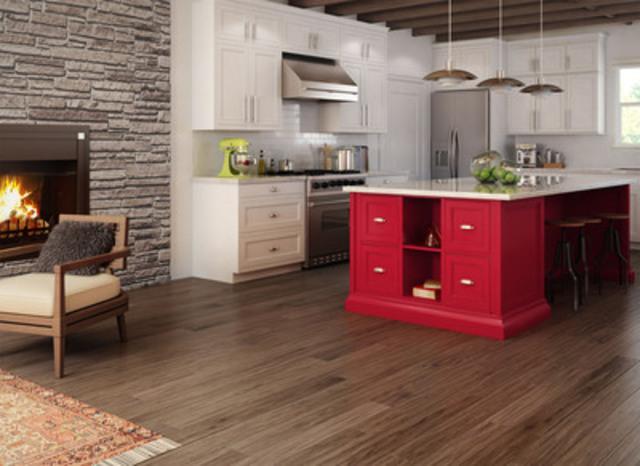 Hickory 5'', Color: Tofino, Texture : Wave (CNW Group/Preverco)