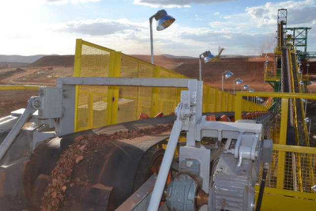 Picture 1: Commissioning of Crushing Circuit (CNW Group/Largo Resources Ltd.)