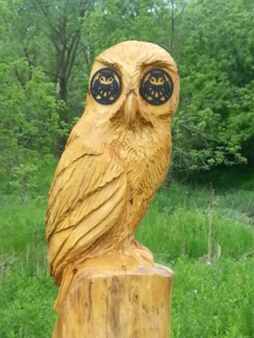This owl-inspired totem is one of ten markers that line the trail (CNW Group/Town of Newmarket)