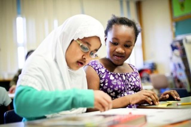 Au cours des dernières semaines, 62 députées et députés ont visité plus de 100 écoles d''un bout à l''autre du pays pour parler à leurs plus jeunes électrices et électeurs. UNICEF Canada/2010/Sri Utami (Groupe CNW/UNICEF Canada)