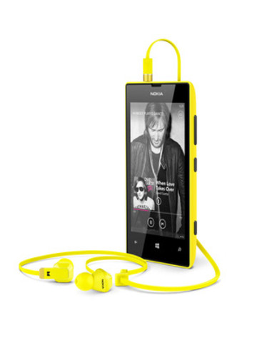 Nokia Lumia 520 and Monster Purity Headset (CNW Group/Nokia Canada)