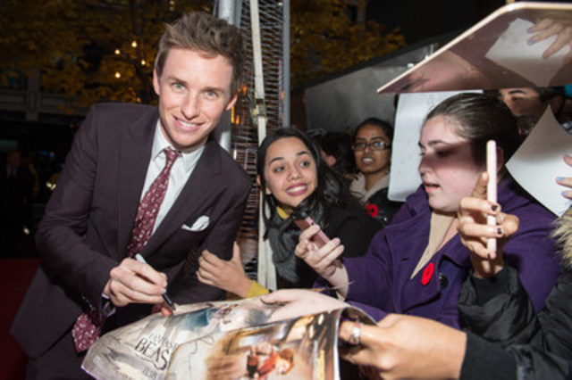 Canadians braved the rain yesterday to see Eddie Redmayne (pictured) and the cast of Fantastic Beasts and Where to Find Them walk the red carpet in Toronto.  Fans can step inside the giant suitcase today, and experience a new era of J.K. Rowling's Wizard World.  The film opens November 18. Photo Credit Ryan Emberley. (CNW Group/Warner Bros. Pictures Canada)