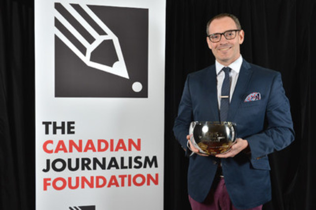 Craig Silverman accepted the inaugural CJF Innovation Award last year for his start-up Emergent, which tackled the challenge of assessing the huge social media information volume by checking the veracity of emerging stories. He went on to take those verification tools to BuzzFeed Canada, where he is now editor. (CNW Group/Canadian Journalism Foundation)