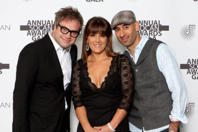 Hosts Steven Page, Michelle Wright, and Abdominal pose together before entertaining the crowd at the 2011 SOCAN Awards Gala. (CNW Group/SOCAN)