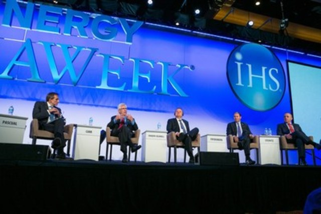 The Honourable Jim Carr, Canada's Minister of Natural Resources, and international counterparts from Australia, Israel and Mexico participate in a panel discussion during IHS CERAWeek in Houston, Texas, on February 24. (CNW Group/Natural Resources Canada)