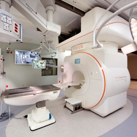 IMRIS has received Health Canada licensing to use the latest generation MRI technology within the VISIUS Surgical Theatre in Canada. (CNW Group/IMRIS Inc.)