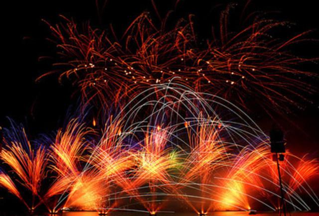 Jubilee Fireworks, qui représente l'Angleterre, gagne le Jupiter d'or (Groupe CNW/L''International des Feux Loto-Québec)