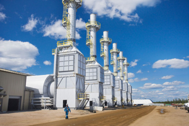Steam generators at Cenovus Energy's Foster Creek oil sands operation. (CNW Group/Cenovus Energy Inc.)