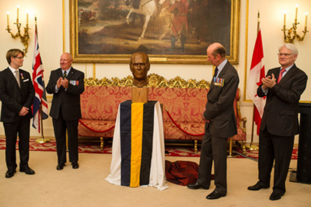 Portrait sculpture unveiling of HRH, The Prince Philip, Duke of Edinburgh. Ceremony hosted by the RCR and His Excellency Gordon Campbell, Canadian High Commissioner. Exclusive photos by Canadian photojournalist Scott McQuarrie. (l - r) Christian Corbet (Sculptor), Col WJ Aitchison (RCR), The Duke of Kent, Gordon Campbell (CNW Group/MB Consulting)