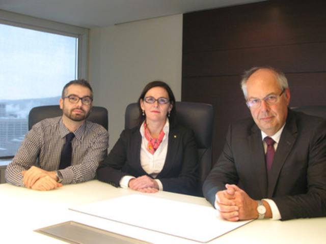 De gauche à droite : Dr Joseph Dahine, président de la FMRQ, Dre Diane Francoeur, présidente de la FMSQ et Dr Louis Godin, président de la FMOQ (Groupe CNW/Fédération des médecins spécialistes du Québec)