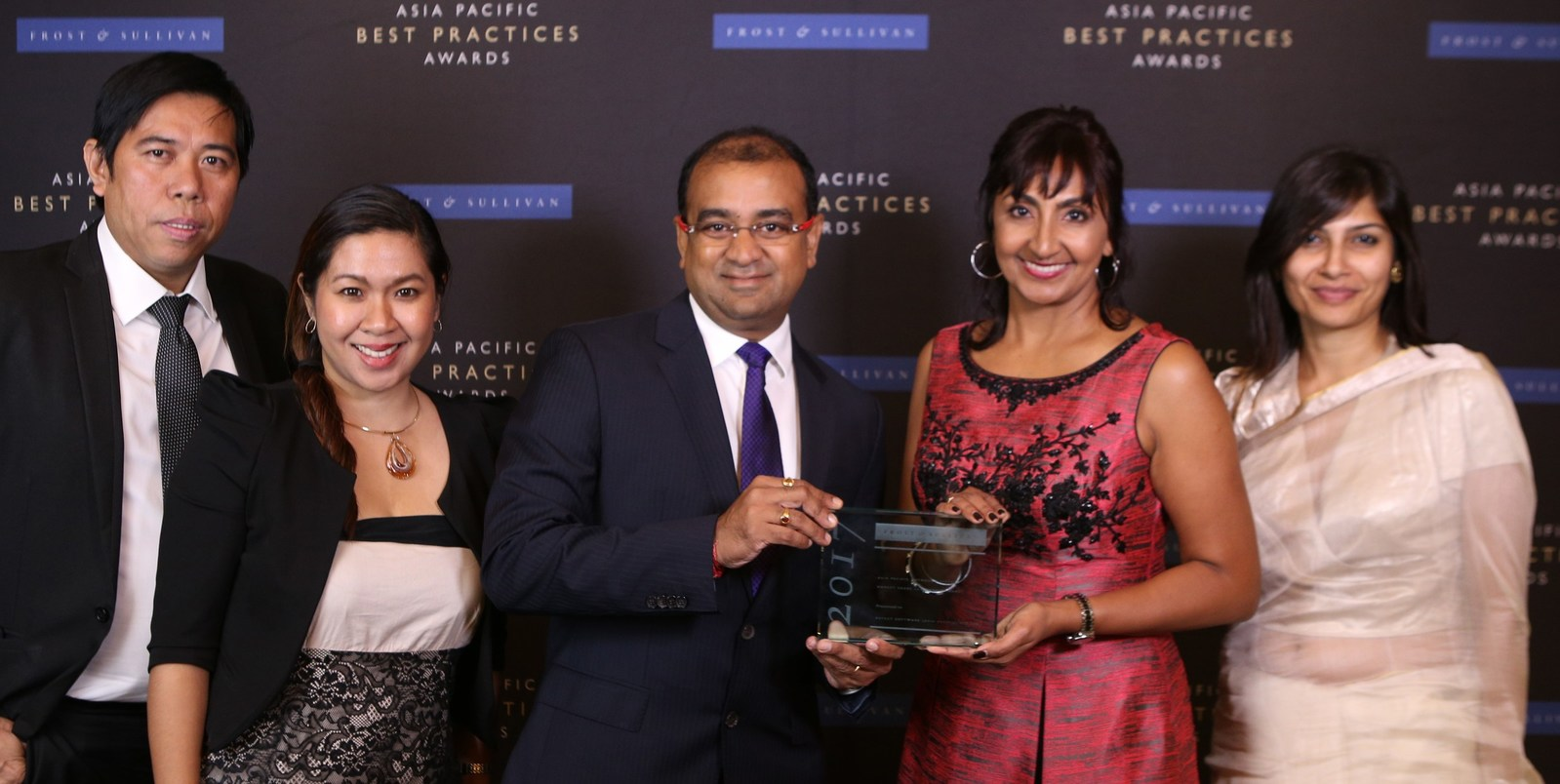 Team Aspect with 2017 Frost & Sullivan Asia Pacific Outbound Systems Market Share Leadership Award