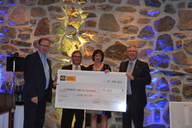 From left to right: Réjean Robitaille, Laurentian Bank's President and CEO, Daniel Desjardins, Senior Vice-President of SME-Québec, Chantal Couture, President of the Christmas in Spring Foundation, and Marcel Beaulieu, Senior Vice-President of Distribution Networks - Retail Financial Services. (CNW Group/Laurentian Bank of Canada)