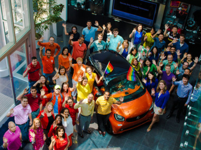 smart Canada is proud to once again be the exclusive automotive sponsor of Pride Toronto, as head office employees rally behind the completely re-designed new generation 2016 smart fortwo (CNW Group/smart Canada)