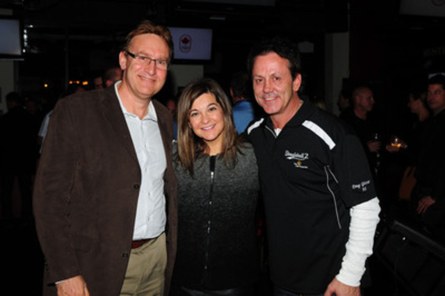 Hockey legend Doug Gilmour strikes a pose with Mary De Paoli and Dr. Gary Lewis at Dougieball 2, raising funds and awareness for diabetes. Sun Life Financial has committed $10 million to diabetes prevention and awareness in Canada in the past year. (CNW Group/Sun Life Financial Inc.)