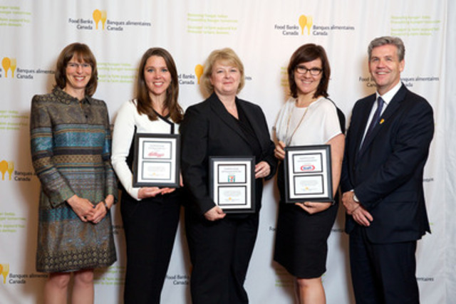 June 18, 2015, Food Banks Canada Awards Dinner - Donor Award Recipients: Katharine Schmidt, Food Banks Canada; Penny Savoie, Kellogg Canada; Laurie Smith, 7-Eleven Canada; Kathy Murphy, Kraft Canada; Brian Fraser, Food Banks Canada (CNW Group/Food Banks Canada)