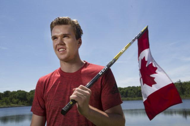 Connor McDavid célèbre la fête du Canada avec la Banque CIBC (Groupe CNW/Banque CIBC)
