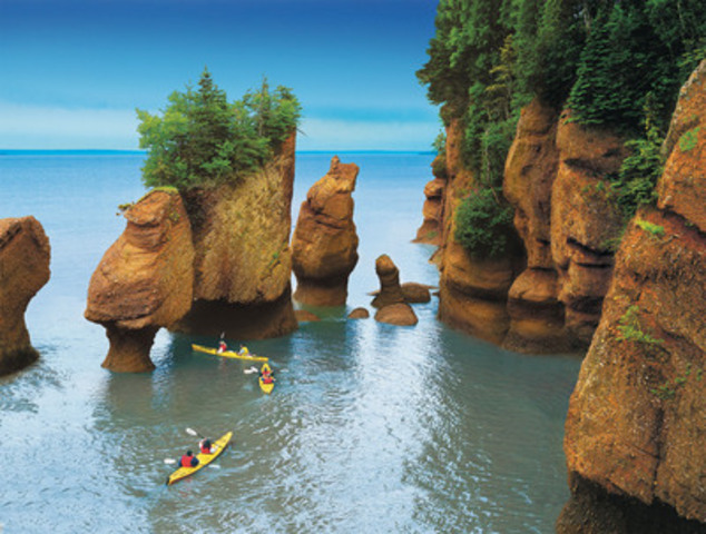 This series of photos shows the rising tide at Hopewell Rocks, NB, in the Bay of Fundy. One hundred billion tonnes of sea water flow in and out of the Bay twice daily - more water than the combined flow of all the world's fresh water rivers. Credit: New Brunswick Dept. of Tourism and Parks (CNW Group/Canadian Tourism Commission)