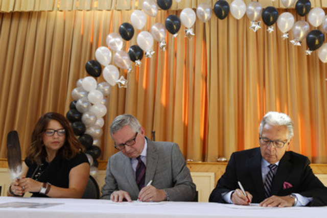 From left, Chief Kelly LaRocca, OLG president and CEO Stephen Rigby and BCA Chair Gary Edgar participate in the Ceremonial signing event between OLG and the Mississaugs of Scugog Island First Nation (MSIFN) on Thursday, September 15, 2016 in Port Perry, ON. CNW (CNW Group/OLG)