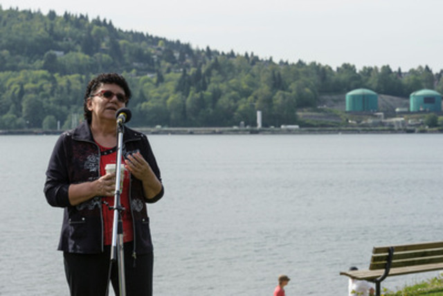 Chief Maureen Thomas of the Tsleil-Waututh Nation announces a legal challenge of the Kinder Morgan Pipeline and Tankers Project Whey-ah-Wichen\Cates Park. (CNW Group/Tsleil-Waututh Nation)
