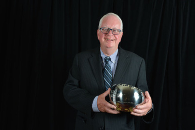 Michel Auger, longtime crime reporter with Le Journal de Montreal, was the recipient of the Lifetime Achievement Award. (CNW Group/Canadian Journalism Foundation)