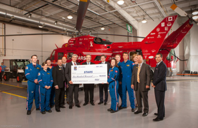 The Shock Trauma Air Rescue Society announces $500,000 commitment from the RBC Foundation (left to right holding cheque: Dave McKay, Group Head, Personal and Commercial Banking, RBC; Rod Gantefoer, Executive Vice President of the STARS Foundation, and; Rob Johnston, Regional President, Manitoba, Saskatchewan, and North Western, RBC) (CNW Group/RBC)