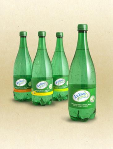 Ice River Green Gazéifiée en 4 variétés, y compris naturelle et avec des saveurs organiques : citron, citron vert et orange tangerine. Mis en bouteille en Amérique du Nord avec une eau de source préservée de l'aquifère du comté de Grey. (Groupe CNW/Ice River Springs)