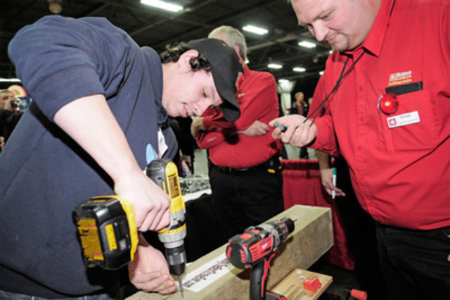 Attendees from across Canada enjoyed the Tough as Nails Contractor Tradeshow experience in 2012. (CNW Group/Home Hardware Stores Limited)