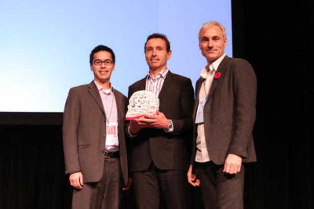 Rotman's Mark Leung and RGD President Lionel Gadoury present the 2013 DesignThinker of the Year Award to MEC CEO David Labistour. (CNW Group/Association of Registered Graphic Designers of Ontario)