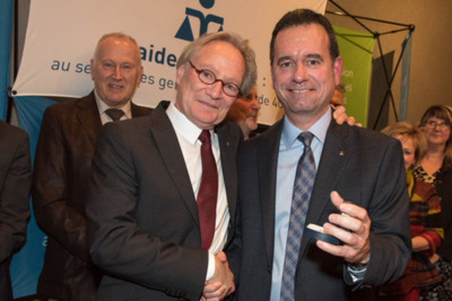 From left to right: Me Denis Roy, recipient of the Merit Award 2016 and Me Yvan Niquette, chairman of the Commission des services juridiques. Photograph: Frédéric Auclair. (CNW Group/Commission des services juridiques)