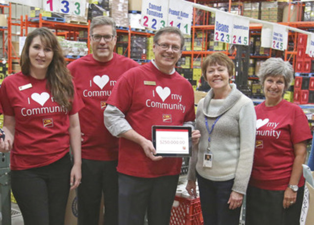 Calgary Interfaith Food Bank is one of the 66 Alberta Food Banks members to benefit from CIBC's $250,000 donation. L-R Jeannette Madarash, CIBC Banking Centre Leader, Calgary, CIBC Region Heads John Steeves and Tom Weber, Dolores Coutts, Manager, Calgary Interfaith Food Bank, and Sherry Leslie, General Manager, Chinook Banking Centre, CIBC. (CNW Group/Alberta Food Banks)