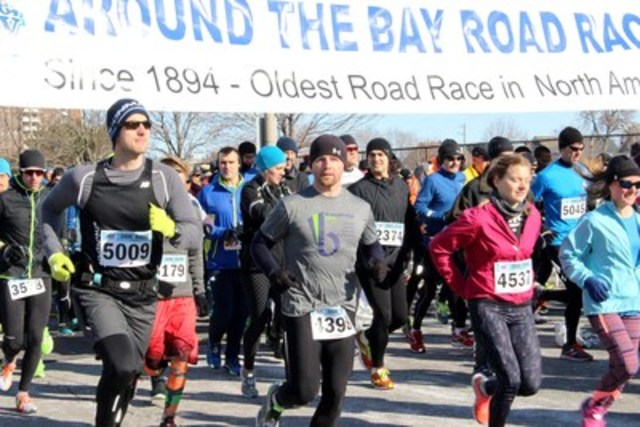 122nd Around the Bay Road Race 30K starting line on April 3, 2016. (CNW Group/St. Joseph's Healthcare Foundation)
