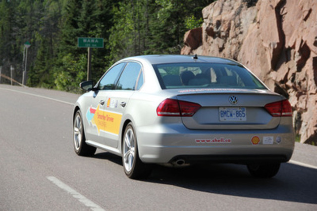 Volkswagen and Shell team up to achieve Cross Canada mileage record (CNW Group/Volkswagen Canada Inc.)