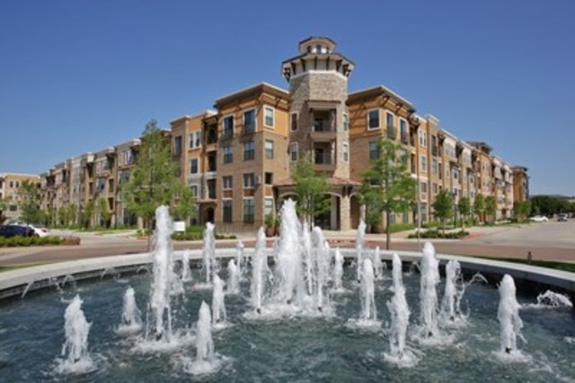 Corner view of Pure Multi's latest acquisition: the Amalfi Stonebriar in Dallas, Texas (CNW Group/Pure Multi-Family REIT LP)