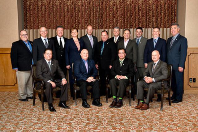 Le Conseil 2016/2017 de l'Institut canadien des évaluateurs (Groupe CNW/Institut canadien des évaluateurs)