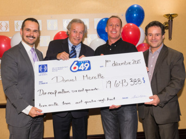 Patrice Lavoie, Director of Communications and Press Relations, Yves Corbeil, Daniel Merrette, the winner, and Richard Trudel, Director, Draws and Customer Service (CNW Group/Loto-Québec)