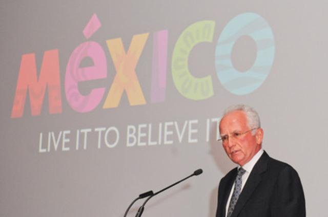 Rodolfo Lopez Negrete, président-directeur général, Conseil de promotion touristique du Mexique, présente la campagne organisée par le Conseil, « Vivez-le pour le croire », à l'occasion d'un gala au Musée des beaux-arts de l'Ontario, à Toronto, le mercredi 30 octobre 2013. (Groupe CNW/Mexico Tourism Board)