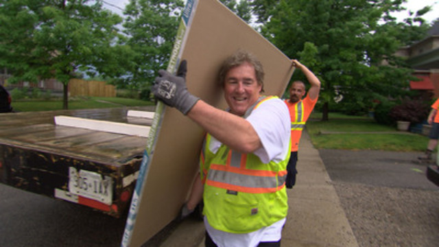 Home Hardware Executive Vice President and Chief Operating Officer Terry Davis goes undercover to experience life on the frontlines as a Home Owner helping homeowners for the season premiere of Undercover Boss Canada, airing Thursday, September 6 at 9 p.m. ET/PT on W Network.(CNW Group/Home Hardware Stores Limited)