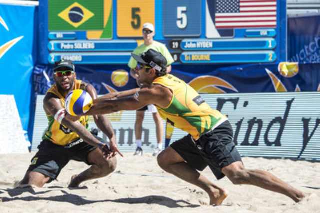 Evandro Goncalves (BRA) and Pedro Solberg (BRA) (CNW Group/Swatch Beach Volleyball Major Series)