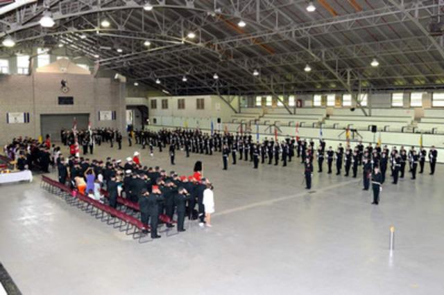 Parade de changement de commandant du 34e Groupe-brigade du Canada, brigade de la Force de réserve de l'Armée canadienne pour l'ouest de la province. (Groupe CNW/Défense nationale)