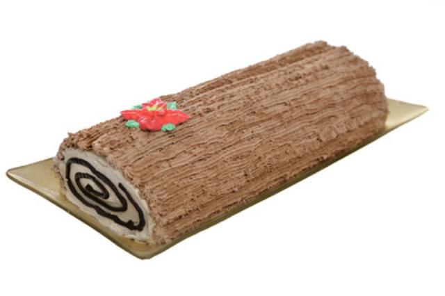La bûche du temps des Fêtes de Crèmerie Cold Stone agrémente délicieusement cette période de l'année. Préparé avec du gâteau au chocolat, du fudge, des copeaux de chocolat et de la crème glacée crème Chantilly, ce délice est enrobé de glaçage et décoré d'un poinsettia festif. (Groupe CNW/Tim Hortons Inc.)