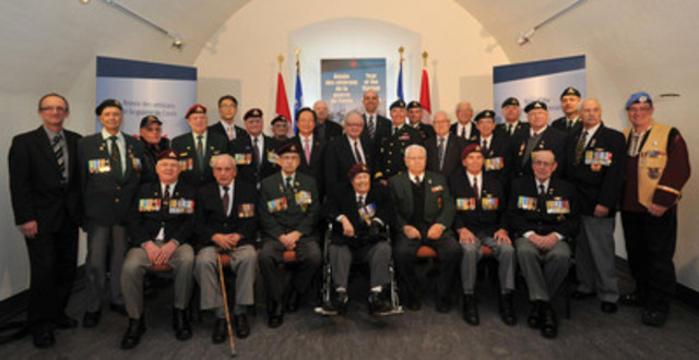 Québec - As part of the Year of the Korean War Veteran, Minister of Veterans Affairs Steven Blaney joined Veterans in paying tribute today to Veterans and members of the Royal 22e Régiment (CNW Group/Veterans Affairs Canada)