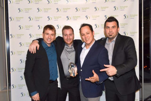 De gauche à droite: Monsieur Axel Vézina - COO de Crakmedia,  Monsieur Samuel Thiffault - Vice-Présient TI chez Crakmedia, Monsieur Nicolas Chrétien - Président et Fondateur de Crakmedia, et Monsieur Frédéric Hains - Vice-Président Produits chez Crakmedia lors du gala régional 2015 du palmarès Technologie Fast 50MC de Deloitte le 12 novembre dernier à Montréal (Groupe CNW/Crakmedia)
