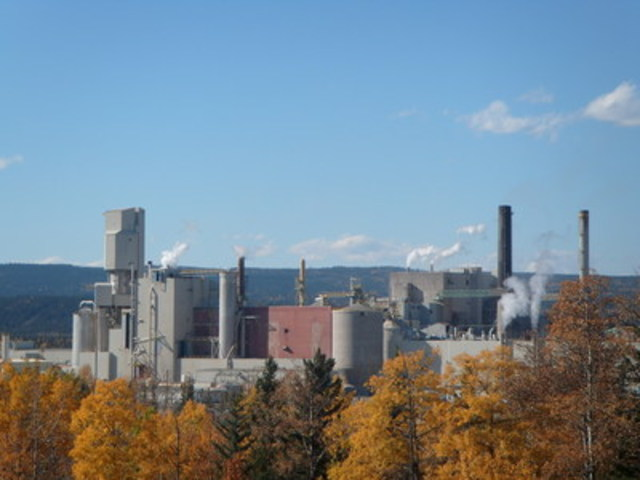 West Fraser Hinton pulp mill (CNW Group/Alberta Innovates - Bio Solutions)