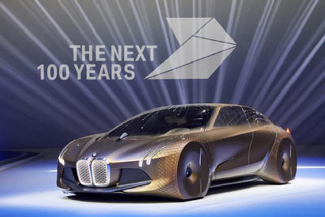 LES 100 PROCHAINES ANNÉES DE BMW GROUP. Événement du centenaire au Olympiahalle de Munich le 7 mars 2016. Le véhicule BMW VISION NEXT 100. (Groupe CNW/BMW Canada Inc.)