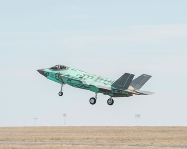 Magellan Aerospace - First F-35A Horizontal Tail Assembly Takes Flight