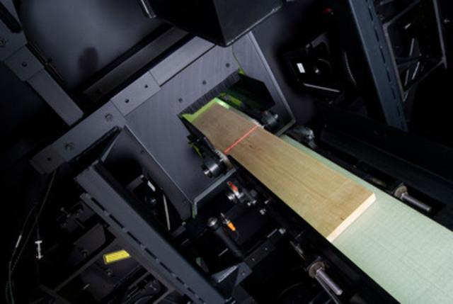 SAGE X2 - Inside view (CNW Group/Centre de recherche industrielle du Québec)