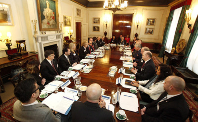 Canadian CEOs meet with HRH The Prince of Wales in the Royal Dining Room at Clarence House. (CNW Group/Prince's Charities Canada)