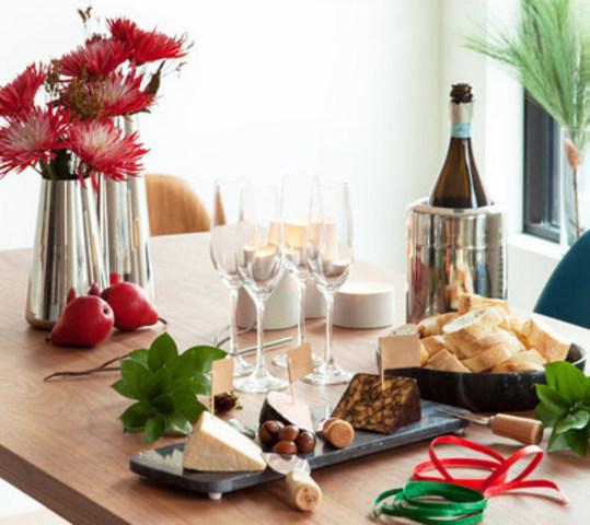 EQ3 Holiday 2016 (CNW Group/EQ3)