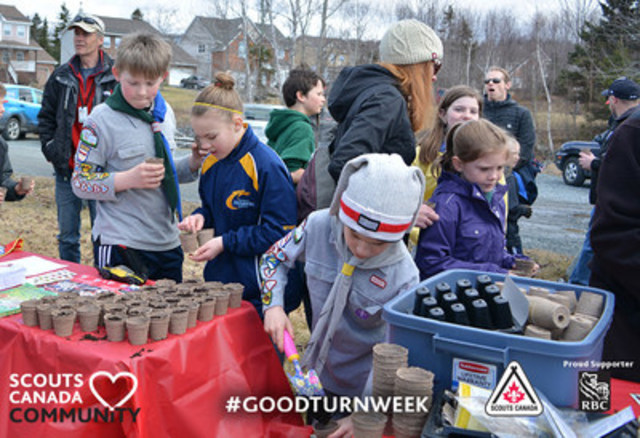 Scouts are challenging all Canadians to do a Good Turn as part of a national movement to spread and goodwill during the 7th annual Good Turn Week, April 22 – May 1, 2016. (CNW Group/Scouts Canada)